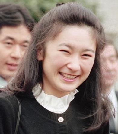 「紀子様 横顔」の画像検索結果
