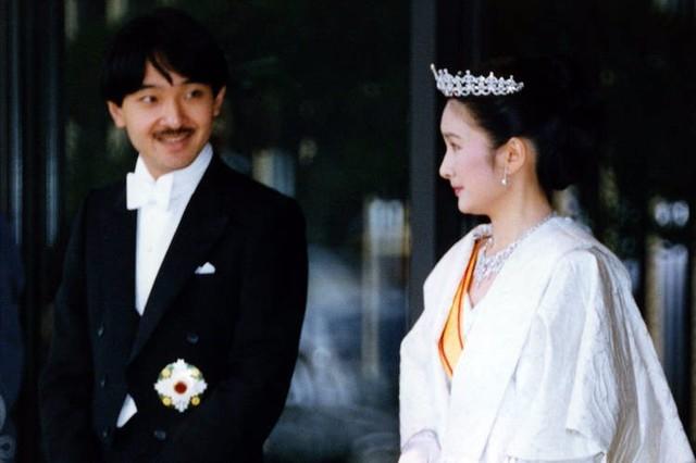 「斜視の宮様 ご成婚」の画像検索結果