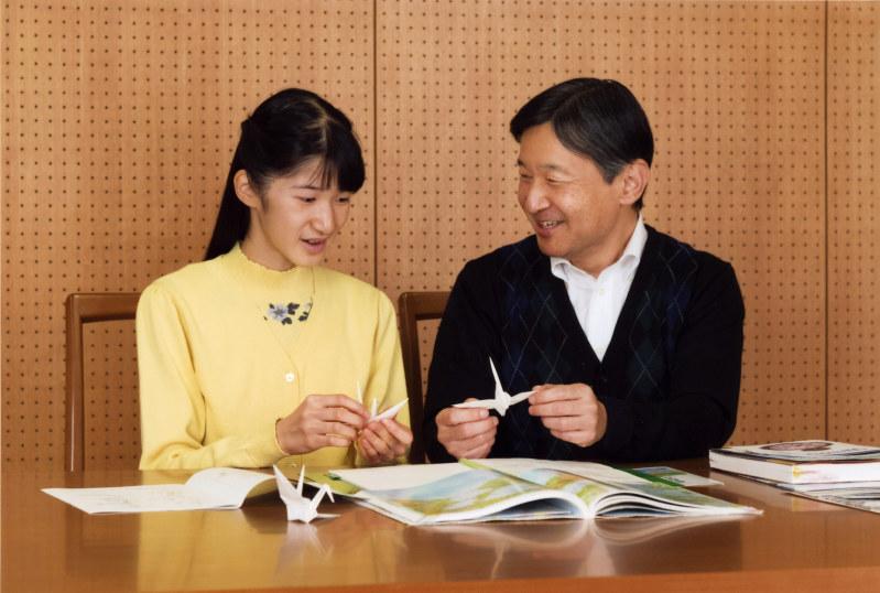 「白い鶴 愛子」の画像検索結果