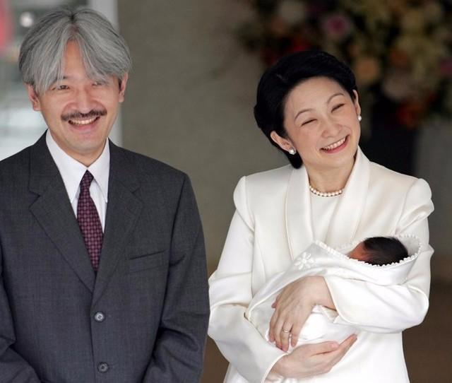 「小泉  紀子様 ご懐妊  でれでれ草 」の画像検索結果