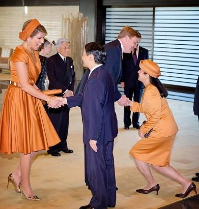 「でれでれ草 雅子 ダイアナ妃 衣装かぶり」の画像検索結果